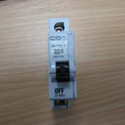 MEM M9 TYPE 3 32A Circuit Breaker